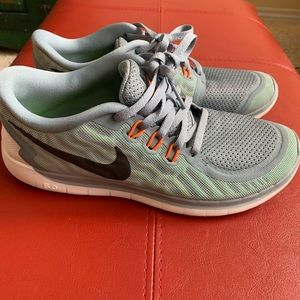 Youth Nike tennis shoes